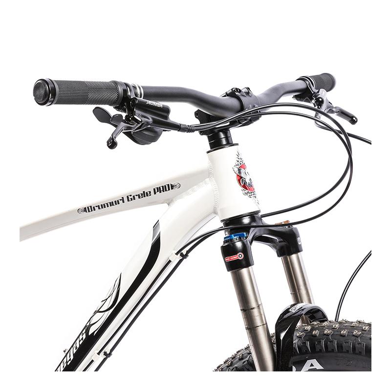 Bicicleta MTB Fat Bike Drumuri Grele Pro Pegas, 18.5 inch, 10 viteze, frane disc hidraulice, cadru aluminiu, maxim 100 kg, Alb/Negru