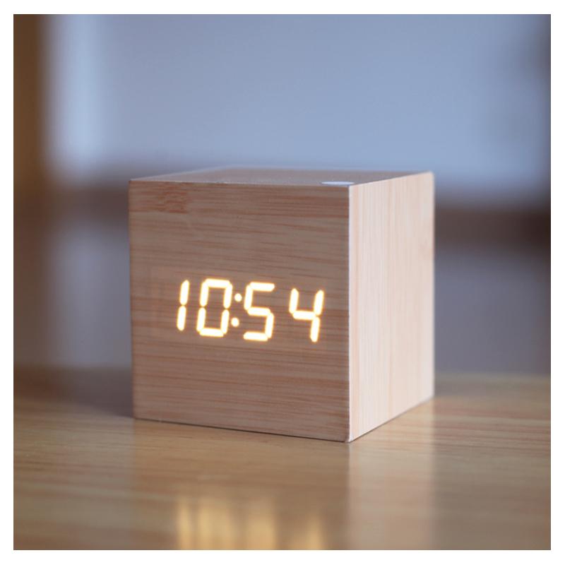 Ceas digital lemn VST-869, alarma, LED rosu