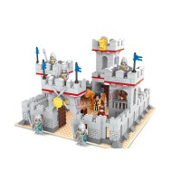 Lego Knight Castle, 686 piese