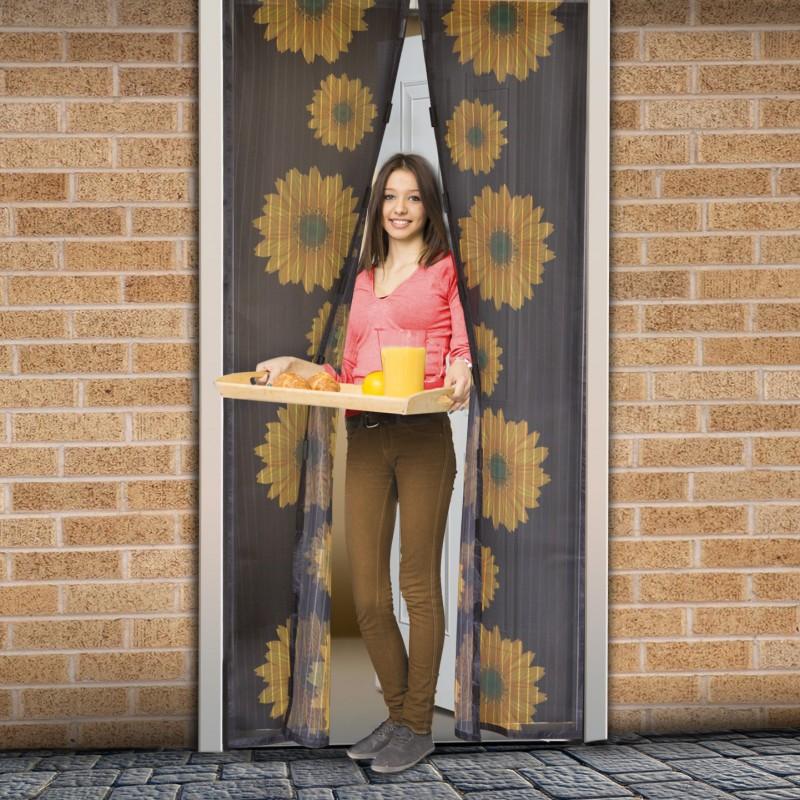 Plasa tantari pentru usa Delight, 100 x 210 cm, inchidere magnetica, model floarea soarelui 2021 shopu.ro