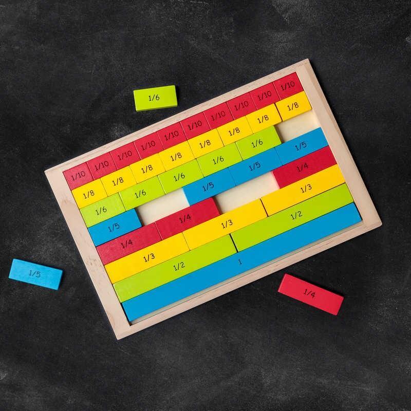 Set din lemn fractii colorate Tobar, 40 piese, 7 ani+