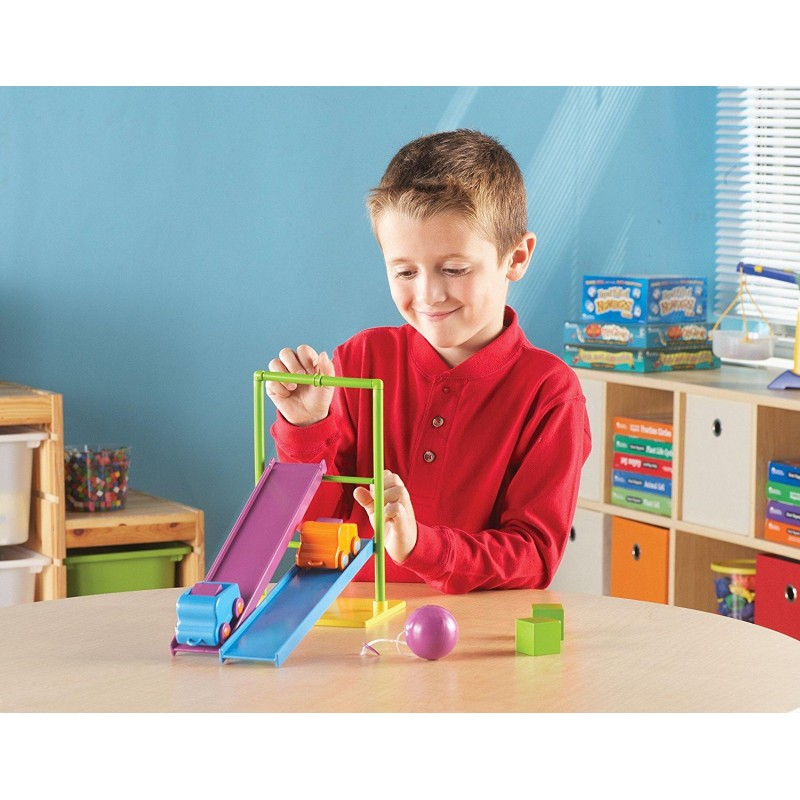 Set STEM Forta si miscare Learning Resources, 2 piste, 2 masinute, 10 carduri cu activitati